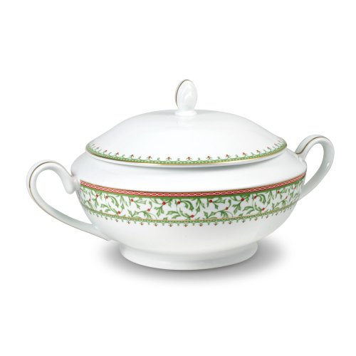 - Mikasa Holiday Traditions Covered Casserole Dish, 64-Ounce