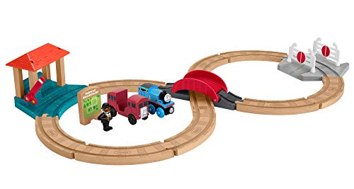 (Thomas & Friends Fisher-Price Wood, Racing Figure-8 Set)
