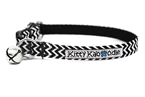 Zig Zag Kitty - Kitty Kaboodle Adjustable Breakaway Nylon Cat Kitten Collar with Bell - Black Zig Zag Design,Cat (7-11