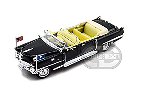 Amazon Com 1956 Cadillac U S Presidential Limo 1 32 Toys Games