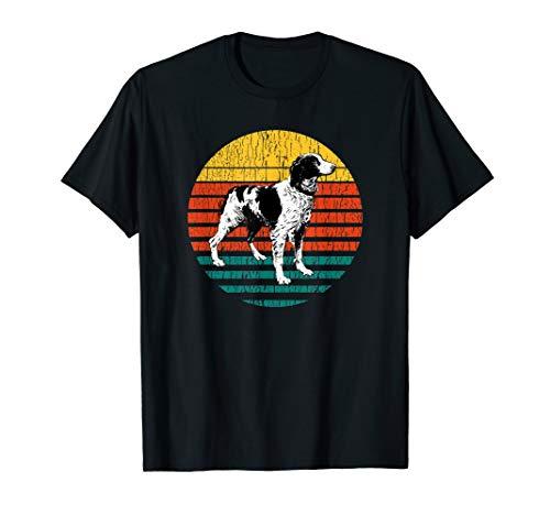 (Retro Brittany Spaniel Dog Design for the Dog Mom or Dog Dad T-Shirt)