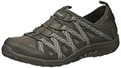 Quarter webbing bungee sneaker on reggae sole with air-cooled memory foam
