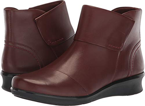 CLARKS Women's Hope Track Fashion Boot, Mahogany Leather, 080 W US (Leather Mahogany Boot)