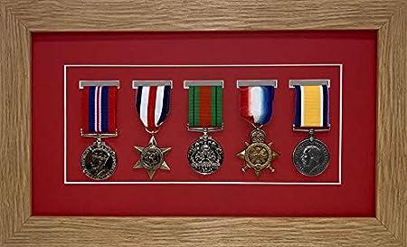 Marco de Fotos Kwik para medallas de Militar/Guerra/Deportes, Caja 3D para Cinco medallas, Marco de Roble con Soporte Rojo: Amazon.es: Hogar