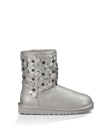 UGG Kids Girl's Classic Short Flora (Little Kid/Big Kid) Sterling Leather Boot 3 Little Kid M (Boot Fine Flat Leather)