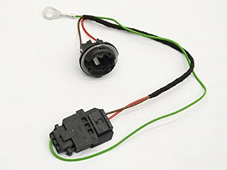41RNF0onG8L._SX463_ amazon com mercedes w164 tail lamp harness repair kit automotive bmw tail light bulb socket wiring harness plug repair kit at edmiracle.co