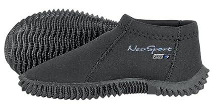 76feba2839c0 Amazon.com  NeoSport Wetsuits Youth Premium Neoprene 2mm Youth s ...
