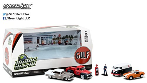 Motor World Diorama Set Gulf Oil Vintage Gas Station 6Pcs Set 1 64 By Greenlight 58035