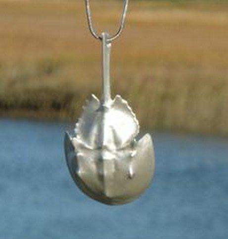 (Horseshoe Crab Necklace)