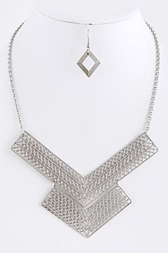 TRENDY FASHION JEWELRY CUT OUT DOUBLE V SHAPE NECKLACE SET BY FASHION DESTINATION | (Silver)