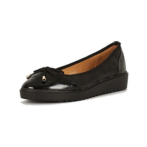 SendIt4me Schwarzes Patent Flatform Slip auf Schuhe mit Bogen Nach Vorne Black