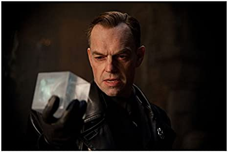 Captain America The First Avenger 2011 8 Inch X 10 Inch Photograph Hugo Weaving Holding Cube Kn At Amazon S Entertainment Collectibles Store