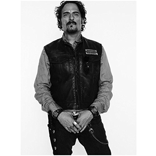 Sons Of Anarchy Kim Coates As Alex Tig Trager Holding Belt 8 X 10 Photo