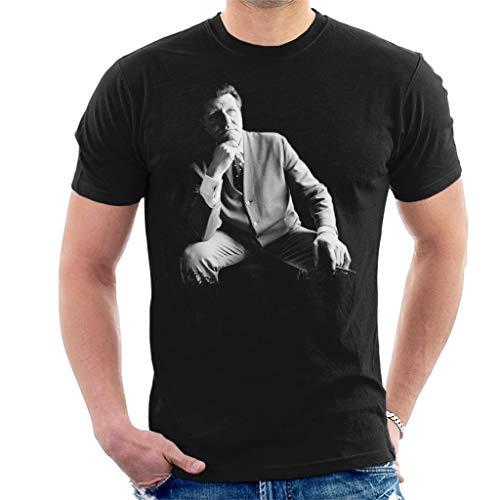 TV Times Tommy Cooper Portrait 1971 Men's T-Shirt Black (Tommy Cooper Christmas)