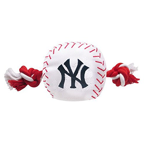 Rope New York - MLB NEW YORK YANKEES Baseball Rope Toy for DOGS & CATS. Tough nylon, Sporty Baseball Design, Heavy-duty ropes with Inner SQUEAKER