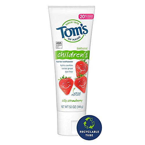 41RVlRhDjQL - Tom's Of Maine Anticavity Fluoride Children's Toothpaste, Kids Toothpaste, Natural Toothpaste, Silly Strawberry, 5.1 Ounce, 3-Pack