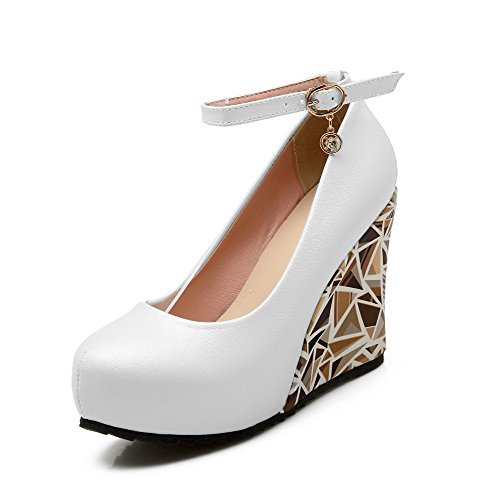 VogueZone009 Women's Round Closed Toe Buckle PU Solid High-Heels Pumps-Shoes White wl8PxO