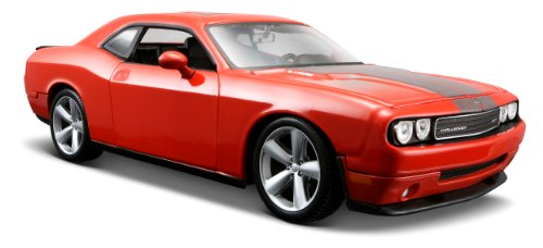 Maisto 1:24 Scale 2008 Dodge Challenger SRT8 Diecast Vehicle (COLORS VARY)