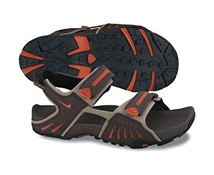 a956879476e Amazon.com: Nike Santiam 4 ACG Sandals - 14: Clothing