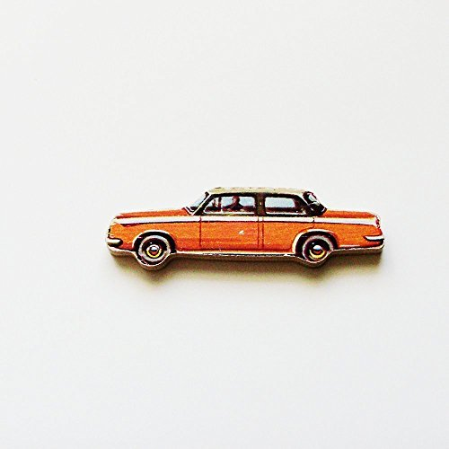 limousine-brooch-pin-me2designs-upcycled-vintage-1960s-hand-cut-wood