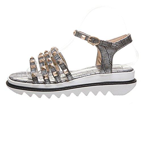 YE Damen Riemchen Flache Plateau Sandalen mit Schnalle und Nieten Bequem  Schuhe Silber ... 1ceb884ce7