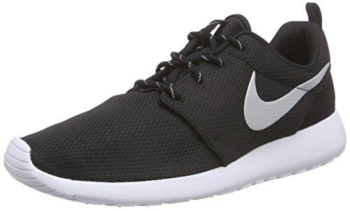 Nike Kvinnor Roshe En Löparskor Svart / Metallisk Platina / Vit