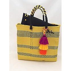 Bolsa Artesanal Mexicana tejida a mano amarilla con negro, incluye funda para iPad, incluye adorno pompón en cascada