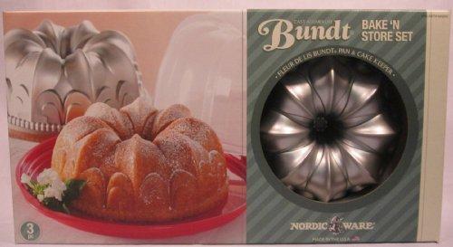 Nordic Ware Cast Aluminum Fleur de Lis Bundt with Cake Keeper