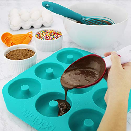 Large Donut Pan Super Non-Stick Silicone, Makes 9 Full Size Donuts, BPA Free, FDA & German LFGB Approved   Oven, Dishwasher and Freezer Safe Doughnut Mold, Bagel Pan with Bonus Recipe Card & Gift Bag by Wappa (Image #3)
