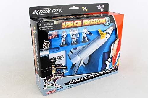 (Daron Worldwide Trading Inc. Space Shuttle with Stand 3 Astronauts, American Flag and Kennedy Space Center Sign)