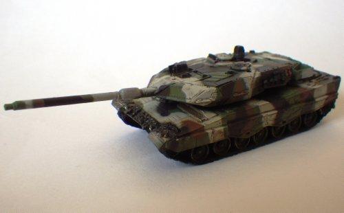 World Tank Takara - 1/144 World Tank Museum Series 06-108 Leopard 2A6 winter camouflage single item