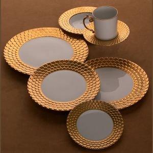 L'Objet Aegean Sculpted Gold Dinner Plate 10.5 in ()