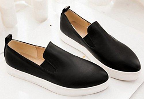 Idifu Womens Casual Gesloten Spitse Slip Op Loafers Sneakers Platte Plateauzolen Zwart