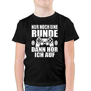 Shirtracer – Sprüche Kind – Nur noch eine Runde – Kinder Tshirts und T-Shirt für Jungen