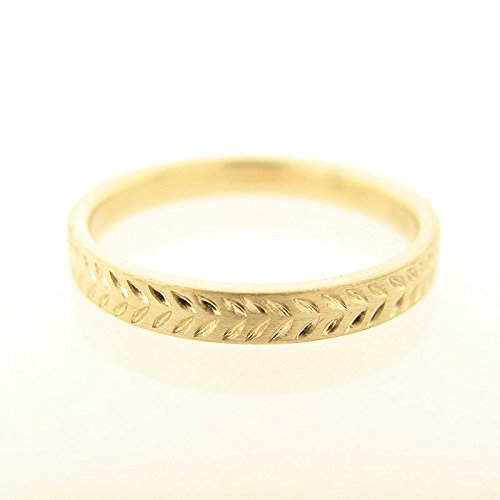 (Solid Gold Wedding Band for Men and Women with a Hand-Engraved Wheat Pattern, Artisan Handmade 18k Yellow or White Gold Jewelry in Sizes 3.5US-8.75US)