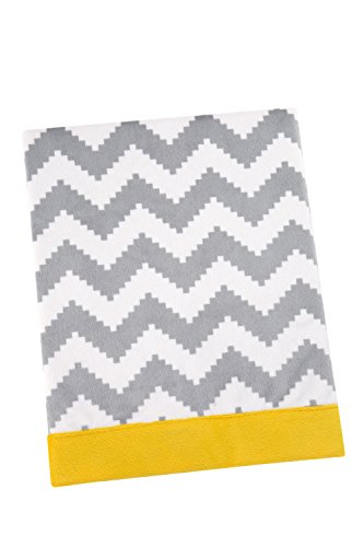 happy-chic-baby-by-jonathan-adler-safari-giraffe-blanket