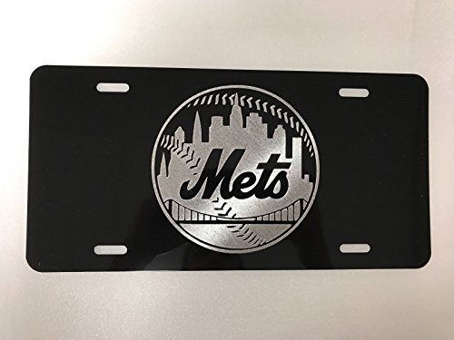 (Diamond Etched New York Mets Logo Car Tag on Black Aluminum License Plate)