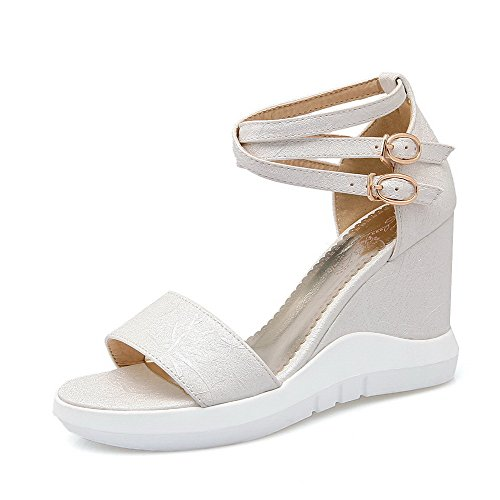 Allhqfashion Womens Solid Pu Hoge Hakken Open Teen Gesp Wiggen-sandalen Wit