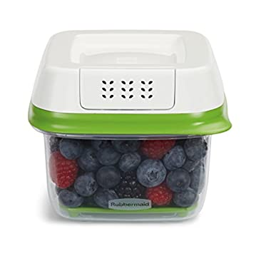 Rubbermaid FreshWorks 2.5 Cup Small Produce Saver Food Storage Container, Green