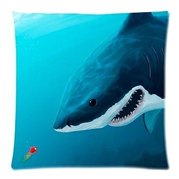 Amazon.com: Funny Shark Mandíbulas Y Little Baby Goldfish ...