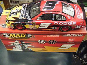 Kasey Kahne #9 Mad Magazine Spy vs Spy Dodge Dealers Dodge Intrepid 1/24 Scale Action Racing Collectables Only 9828 Made Yellow Rookie Stripes Hood Trunk Opens ()