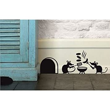 """Mouse Hole /"""" MOUSE FAMILY /"""" Skirting Board Wall Art Sticker Vinyl Decal /"""" 19cm x"""
