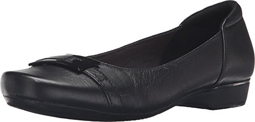 CLARKS Women's Blanche West Flat, Black Leather, 7.5 M US by CLARKS
