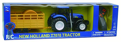 R/C 1:24 New Holland T7070 Farm Tractor & Trailer -  NEW-RAY, 88555