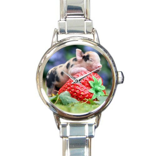 Hot Sale Discount Novelty Gifts Cute Piglet With Strawberry Round Italian Charm (Strawberry Italian Charm)