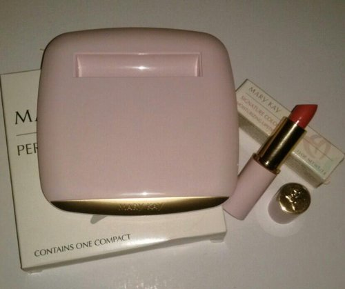 Mary Kay Gift Set Vintage Perfect Pair Pink Compact & Signature Color Moisturizing Lipstick Coral Ice
