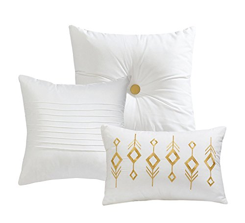 7 Piece Bedding set White Gold Bath Pillows