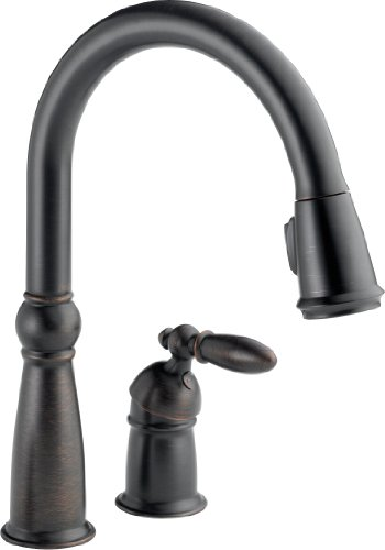 Delta Faucet Victorian Single-Handle Kitchen Sink Faucet with Pull Down Sprayer and Magnetic Docking Spray Head, Venetian Bronze (Victorian Venetian Bronze Two Handle)