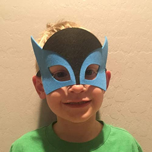 41S%2BkcO7ccL. AC  - RoterSee 50Pcs Superhero Masks Party Favors for