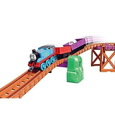 Thomas & Friends GLL14 Trackmaster Thomas & Nia Cargo Delivery Playset, Multicolour: Toys & Games